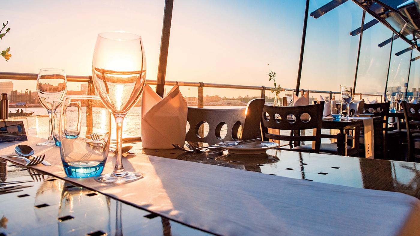 Bateaux-Dubai---Table-setup.jpg