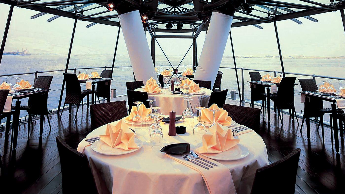 Bateaux-Dubai---Prestige-Lounge-