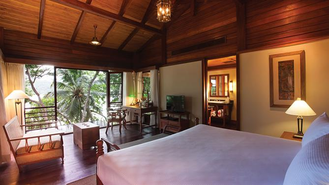 Private-pool-Villa---Bedroom-(1).jpg