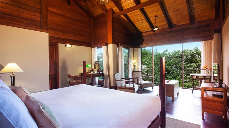 Private-pool-Villa---Bedroom-(3).jpg