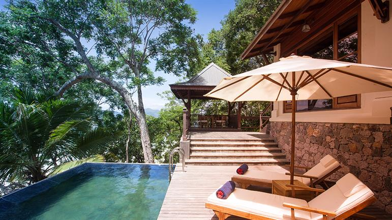 Private-pool-Villa---Poolside-(3).jpg