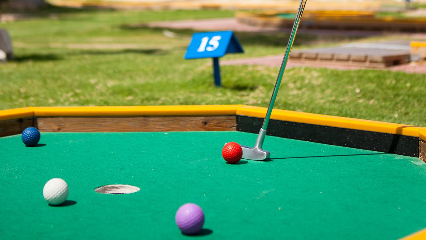 Mini-Golf----Game-play-(1)-.jpg