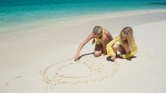 FAMILY MAGIC IN THE MALDIVES