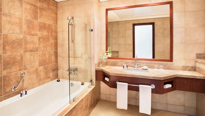 2-bedroom-Apartment---Bathroom