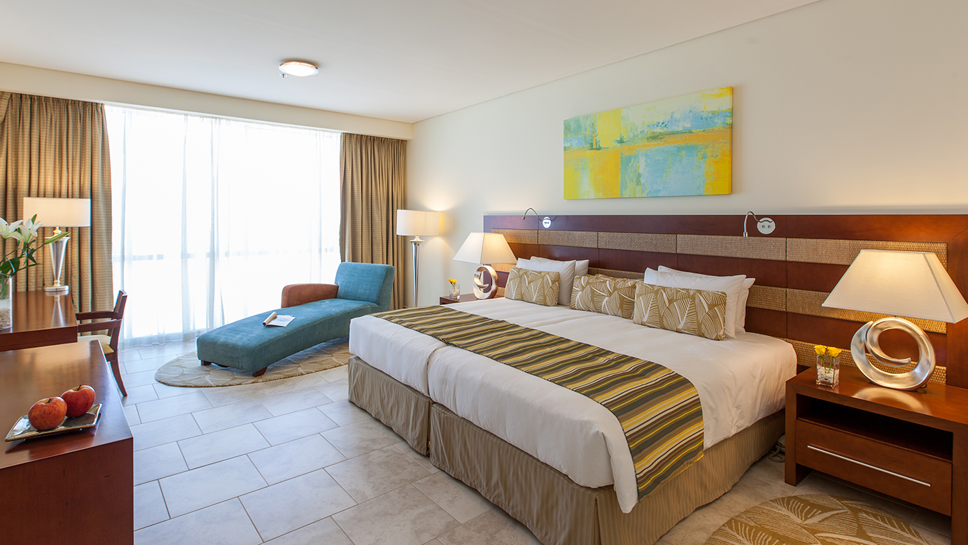 Beach hotel apartment dubai ja oasis beach tower for Four bedroom flat