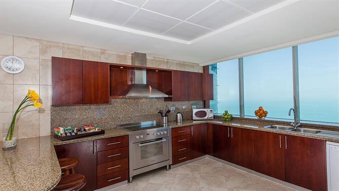 4-bedroom-Apartment---Kitchen