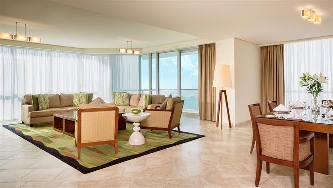 4-bedroom-Apartment---Living-Room(1)