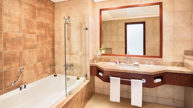 4-bedroom-Apartment---Bathroom