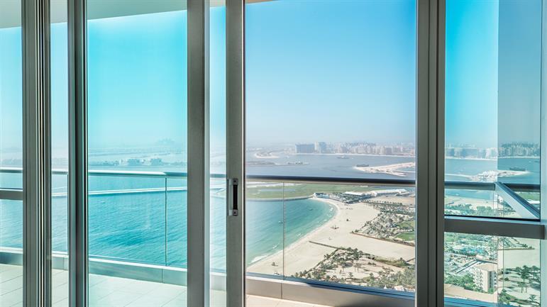 4-bedroom-Apartment---Balcony-(0)