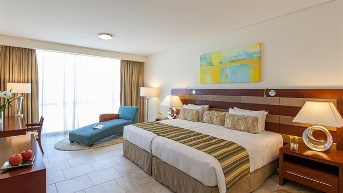 Apartment Hotels In Dubai Ja Oasis Beach Tower Accommodation