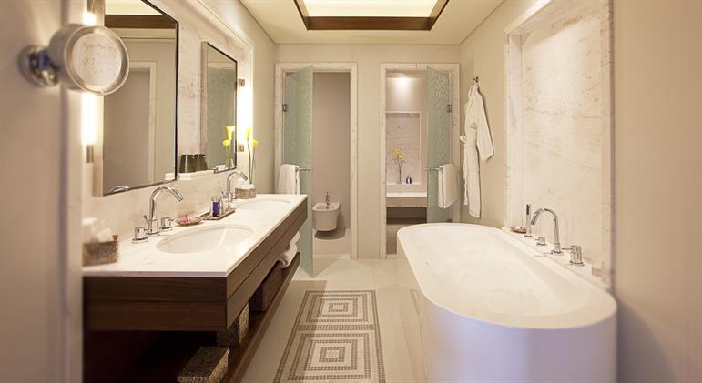 Residence Junior - Bathroom_1440x788
